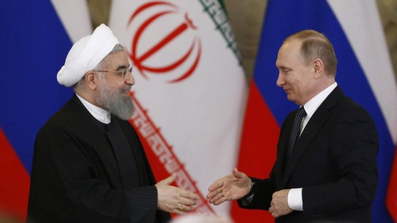 File Photo: Οι πρόεδροι Ιράν και Ρωσίας σε παλαιότερη συνάντησή τους EPA, SERGEI KARPUKHIN