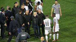 File Photo: Ο πρόεδρος του ΠΑΟΚ, Ιωάννης Σαββίδης (Κ), εισέρχεται στον αγωνιστικό χώρο κατά τη διάρκεια του αγώνα ποδοσφαίρου ΠΑΟΚ - ΑΕΚ. ΑΠΕ-ΜΠΕ,PIXEL/ STR