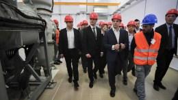 O πρωθυπουργός Αλέξης Τσίπρας ξεναγείται στις εγκαταστάσεις του έργου Ηλεκτρικής Διασύνδεσης των Κυκλάδων, στον υποσταθμό του ΑΔΜΗΕ, στην Σύρο, Δευτέρα 19 Μαρτίου 2018. ΑΠΕ-ΜΠΕ/ΓΡΑΦΕΙΟ ΤΥΠΟΥ ΠΡΩΘΥΠΟΥΡΓΟΥ/Andrea Bonetti