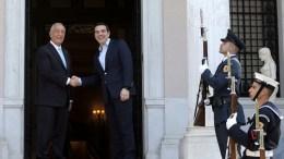 Ο πρωθυπουργός Αλέξης Τσίπρας (Δ) υποδέχεται τον Πορτογάλο Πρόεδρο Μαρτσέλο Ρεμπέλο ντε Σόουζα (Marcelo Rebelo de Sousa) (Α) κατά τη συνάντησή τους στο Μέγαρο Μαξίμου, Αθήνα, Τρίτη 13 Μαρτίου 2018. ΑΠΕ-ΜΠΕ, ΣΥΜΕΛΑ ΠΑΝΤΖΑΡΤΖΗ