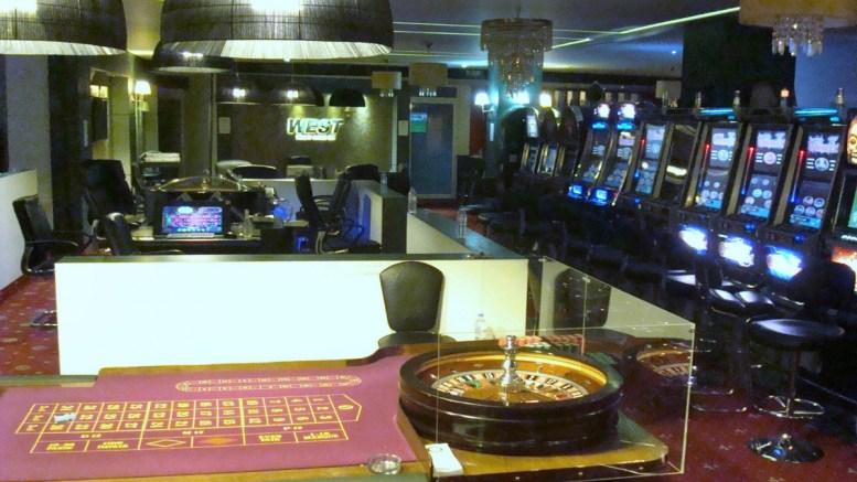 File Photo: Φωτογραφία που δόθηκε σήμερα στη δημοσιότητα από την Αστυνομία και εικονίζει το μίνι καζίνο στο οποίο διεξάγονταν παράνομα παιχνίδια. ΑΠΕ-ΜΠΕ, ΓΡΑΦΕΙΟ ΤΥΠΟΥ ΓΑΔΑ, STR