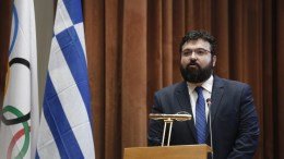 File Photo: «Στις δύσκολες αυτές ώρες για το ελληνικό επαγγελματικό ποδόσφαιρο χρειάζεται νηφαλιότητα και αποφασιστικότητα για τη λήψη μέτρων που θα μας επιτρέψουν να συνεχίσουμε τη μάχη για την κανονικότητα», αναφέρει σε ανάρτησή του, μεταξύ άλλων, ο υφυπουργός Αθλητισμού, Γιώργος Βασιλειάδης. ΕΟΕ ΑΠΕ ΜΠΕ,ΑΛΕΞΑΝΔΡΟΣ ΒΛΑΧΟΣ