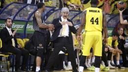 Ο προπονητής του Άρη Παναγιώτης Γιαννάκης (Κ) κατά τη διάρκεια του αγώνα 'Αρης - ΠΑΟΚ για το εξ αναβολής παιχνίδι της 18ης αγωνιστικής της Basket League στο Αλεξάνδρειο Μέλαθρον. Θεσσαλονίκη, Τετάρτη 21 Μαρτίου 2018. ΑΠΕ ΜΠΕ, PIXEL, ΜΠΑΡΜΠΑΡΟΥΣΗΣ ΣΩΤΗΡΗΣ