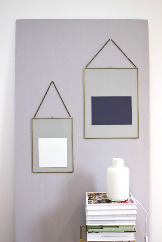 o trouver des cadres r tro en laiton. Black Bedroom Furniture Sets. Home Design Ideas