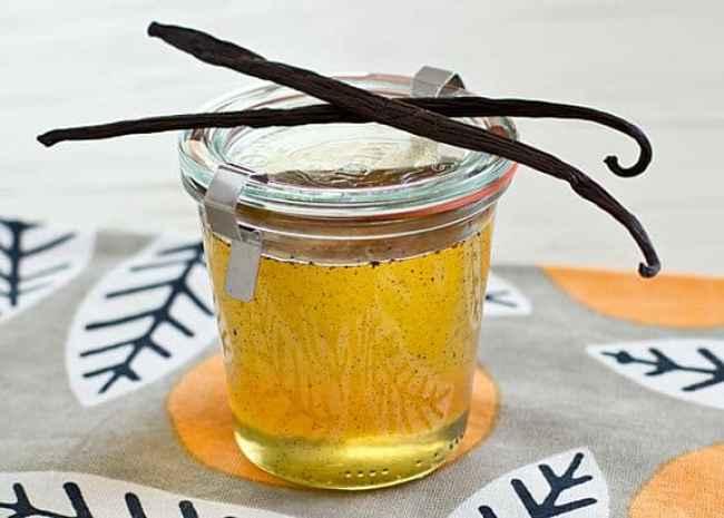 DIY vanilla syrup