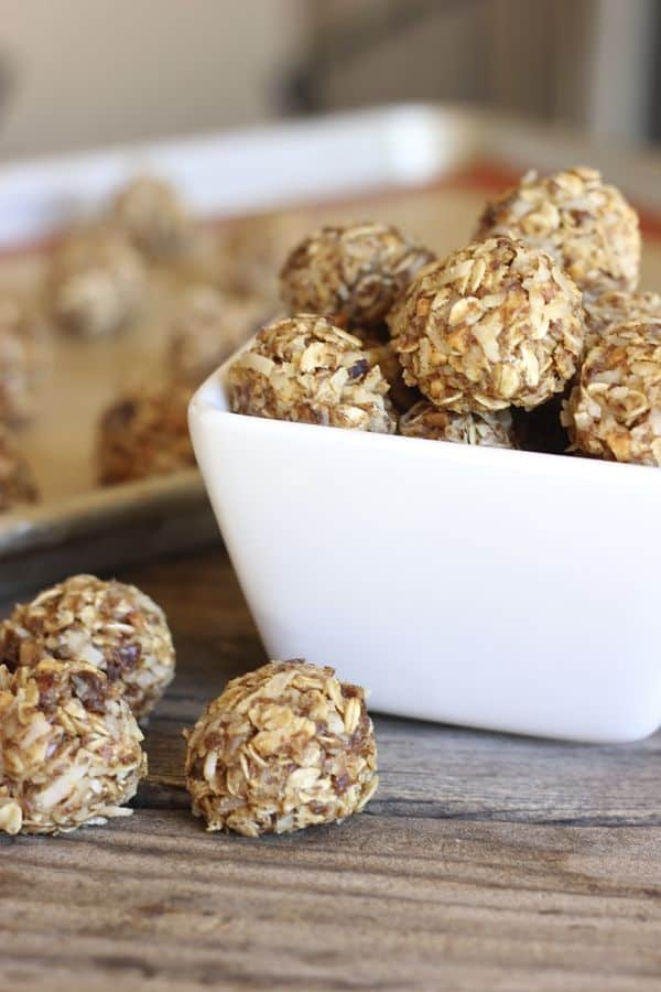 Honey oat energy bites
