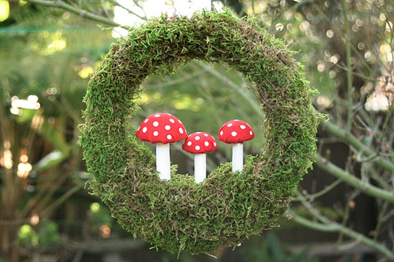 DIY Moss Toadstool Wreath