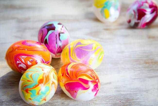 nail polish marbled eggs