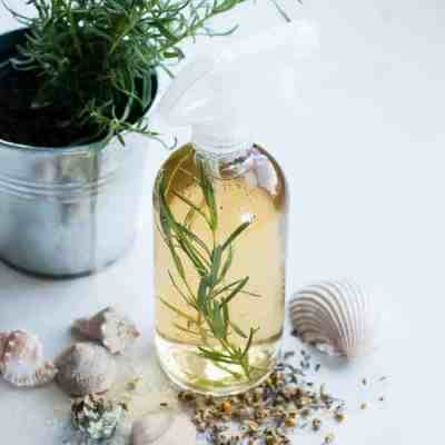 DIY Sea Spray for Hair | HelloNatural.co