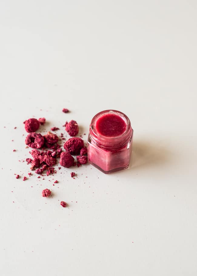 All-Natural DIY Tinted Lip Balm with Raspberries   HelloNatural.co