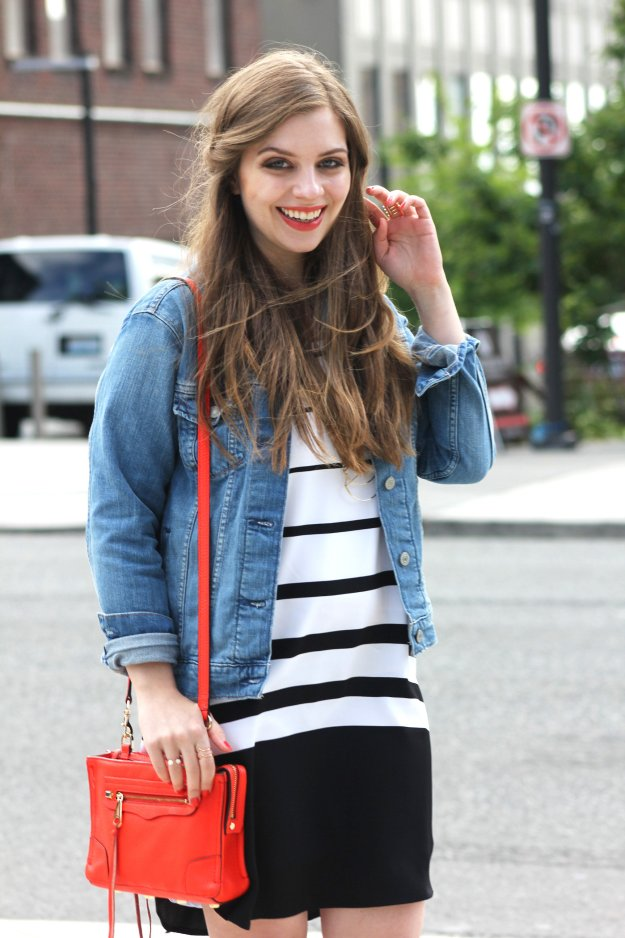 Summer Travel Outfit: Levi's Trucker Jacket with Dress // Hello Rigby Seattle Fashion Blog