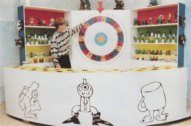 Art Wheel of Fortune 350 raku objects and installation, 1991 by Henrik Bruun