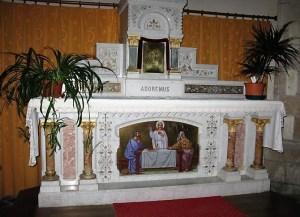 Eglise Saint-Secondin à Saint-Secondin (86) - Autel et tabernacle réalisés en 1900 par l'atelier Saint Savin-Desoulières
