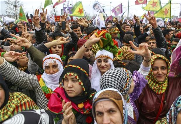 Демонстрация турецких курдов на Навруз