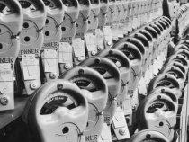 vintage-parking-meter-factory-getty-580