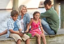 Noah Lomax Julianne Hough Mimi Kirkland and Josh Duhamel in Safe Haven 220x150 New Images of Josh Duhamel & Julianne Hough in Nicholas Sparks Safe Haven