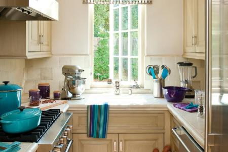 ci allure of french and italian decor u shaped kitchen pg50 3x4 .rend.hgtvcom.966.1288