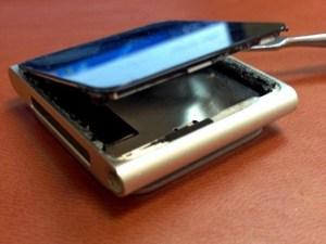 iPod Nano 6 не нажимаются кнопки. Разборка и замена шлейфа кнопок. 2