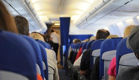 赤ちゃん飛行機席の選び方