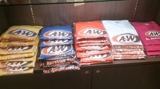 A&WのTシャツ