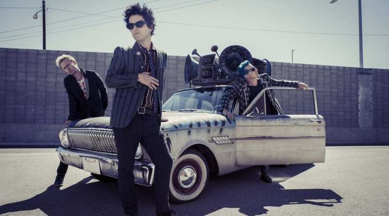 """Green Day Celebrates Album Release With """"Youngblood"""" Lyric Video"""