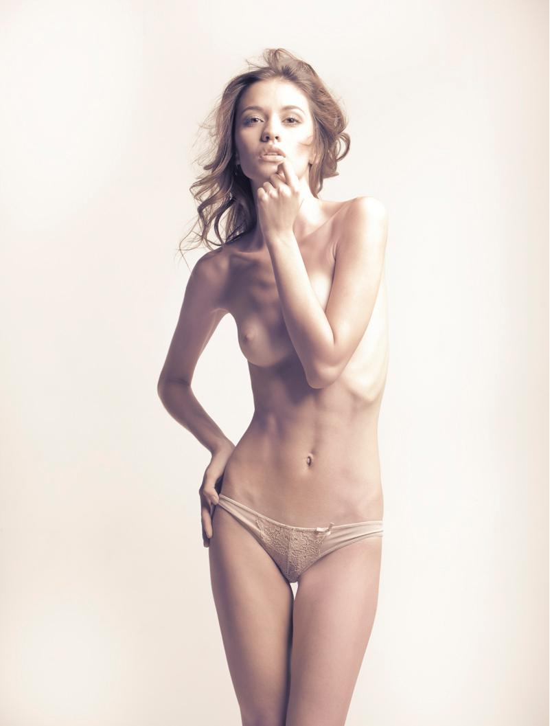 newstar diana topless