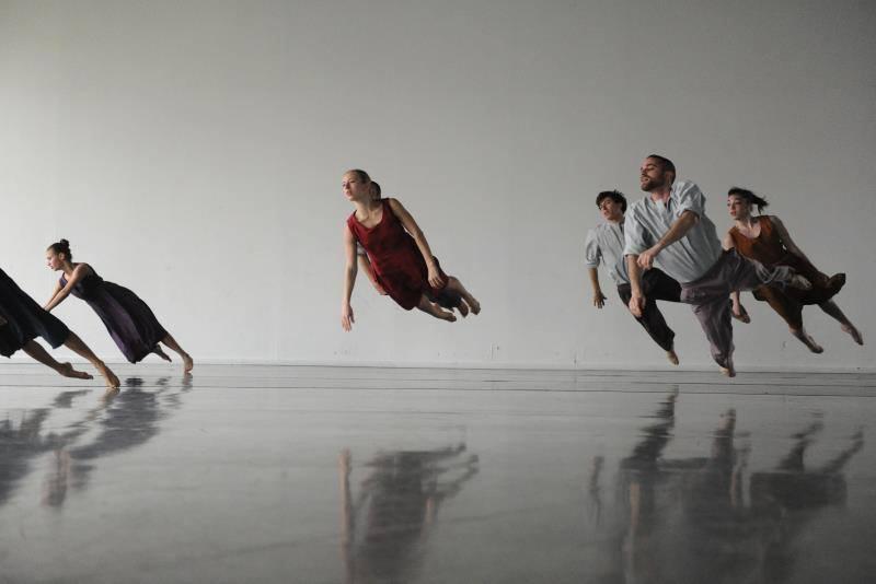 batsheva dance company highlike. Black Bedroom Furniture Sets. Home Design Ideas