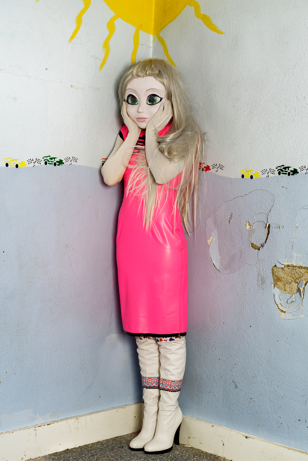 LAURIE SIMMONS doll