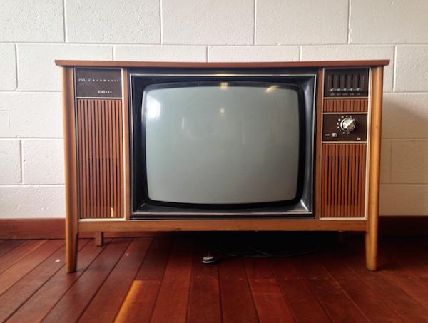 stockvault-retro-1970s-tv-set164183