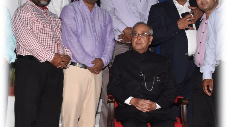 भारत के राष्टपति के साथ ग्रुपिंग