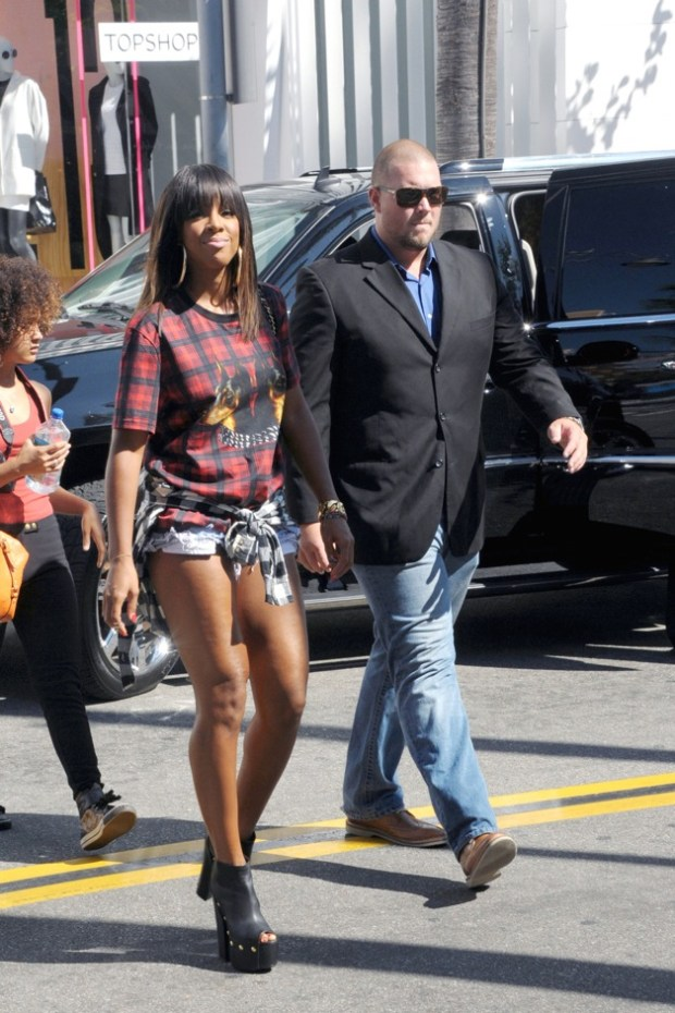 Kelly Rowland seen going to Planet Dailies restaurant at The Grove in Los Angeles