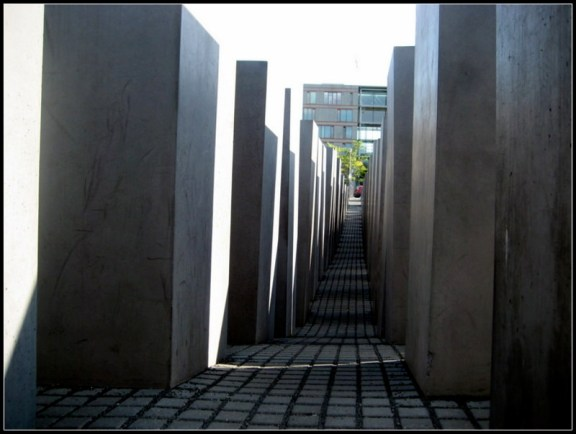 walking tour, sightsee, tourist, berlin, germany, europe, babelplatz, holocaust, berlin wall