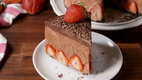 Smartly Making Strawberry Chocolate Mousse Cake Video Strawberry Chocolate Moussecake Recipe How To Video Making Strawberry Chocolate Mousse Cake Video Strawberry Chocolate