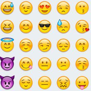 Classy Original 03aba3e0 29f7 11e6 8165 2b27e3aa9388 Assets Elleuk Com Thumbs 26517 Emoji Thumb Jpg Praise Hands Emoji Png Praise Hands Emoji Brown