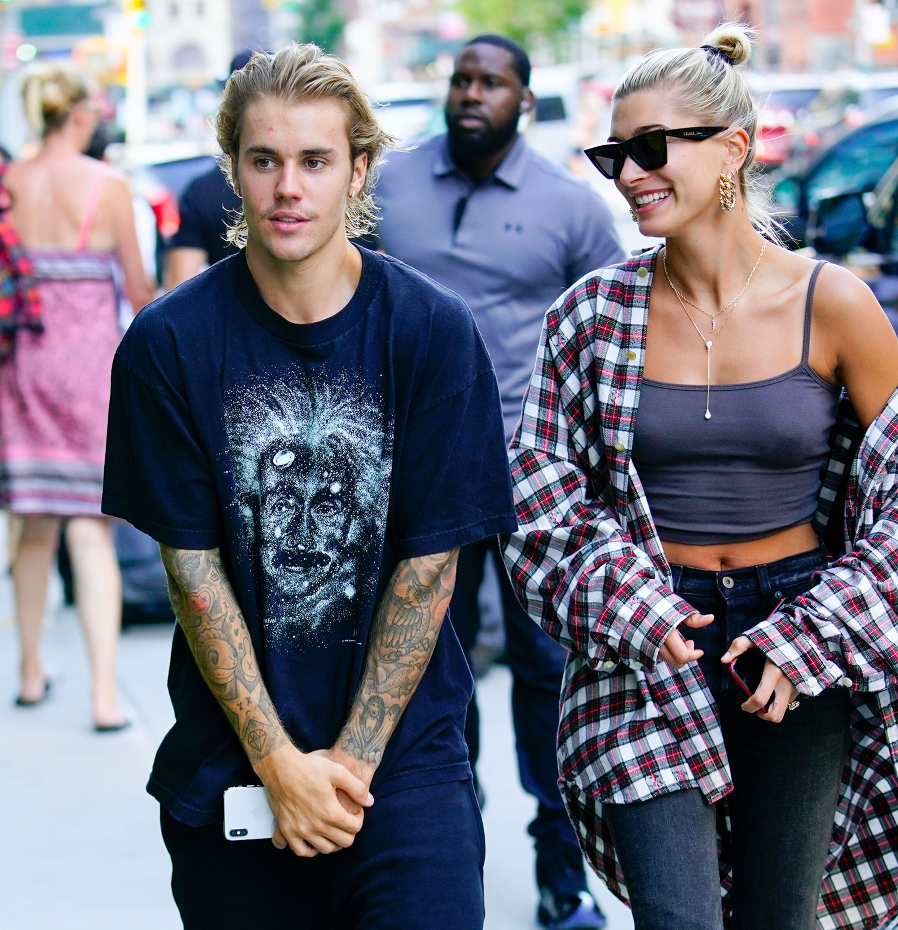 Justin Bieber Cried in Public Because of Hailey Baldwin Relationship     Justin Bieber Cried in Public Because of Hailey Baldwin Relationship   Why  Justin Broke Down