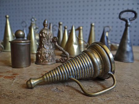 ribbed antique dowser