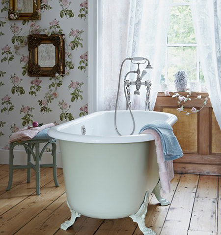 wooden floor & panelling in a vintage-inspired bathroom
