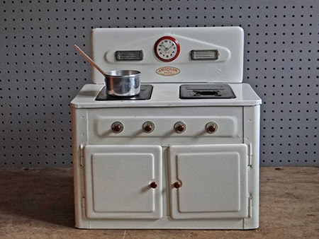 Vintage Amersham toy cooker
