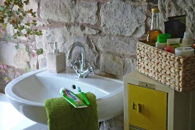 """Corner of our bathroom showing George at Asda products from """"Wheel of George"""" colour selector 