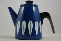 Cathrineholm lotus design enamel coffee pot