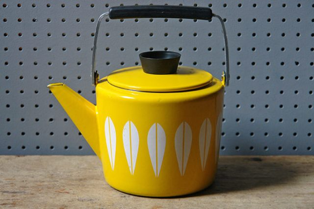 Yellow vintage Cathrineholm kettle | H is for Home