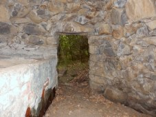 Cabane avec tinèl ( Citerne ) de vigneron. Dimensions intérieures : 3.30m x 3m x 2.70m en hauteur. Vigne Chiffre, la Carrairasse.
