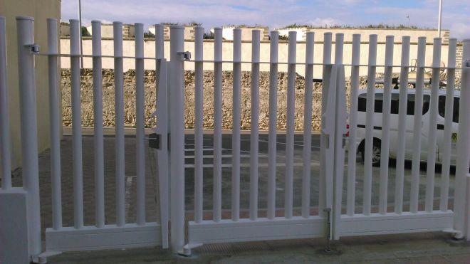 Como son las puertas met licas para vallas - Puertas para cerramientos ...