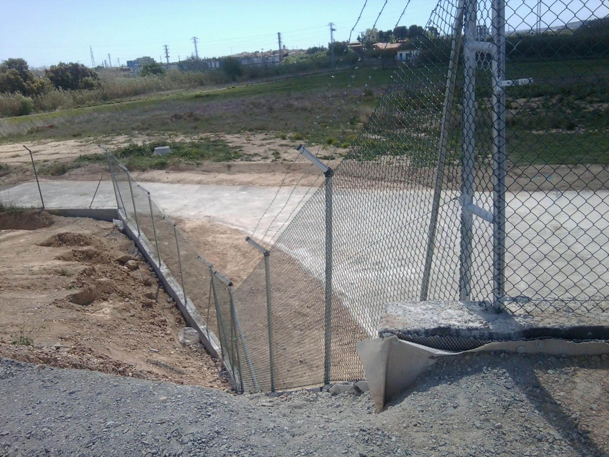 Bricolaje vallas como montar cercado malla simple torsion for Precio mano de obra colocacion tela asfaltica
