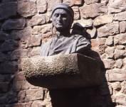 Dante bust