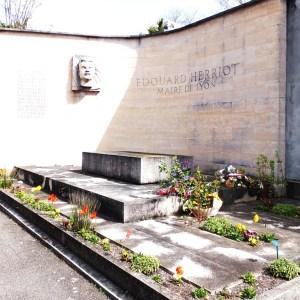 0022 Monument