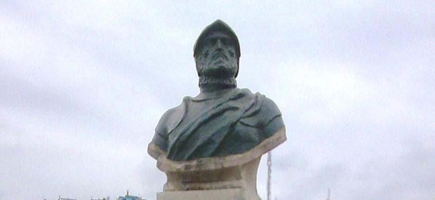 Buste Francisco de Orellana /cc