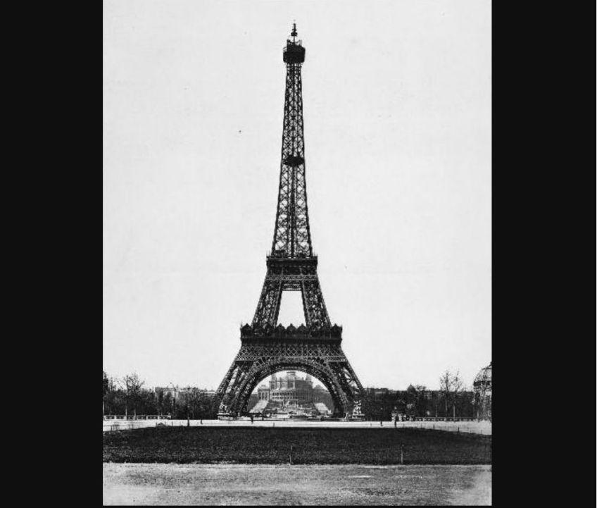 De bouw van de Eiffeltoren in Parijs