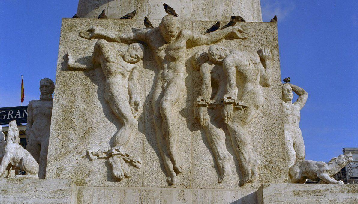Symboliek van het Nationaal Monument op de Dam
