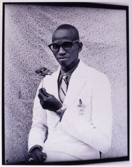 Seydou Keïta, Untitled 1958/1959 (Seydou Keïta Photography Estate)